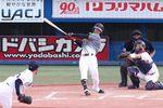 中野は八回にうれしいプロ初本塁打